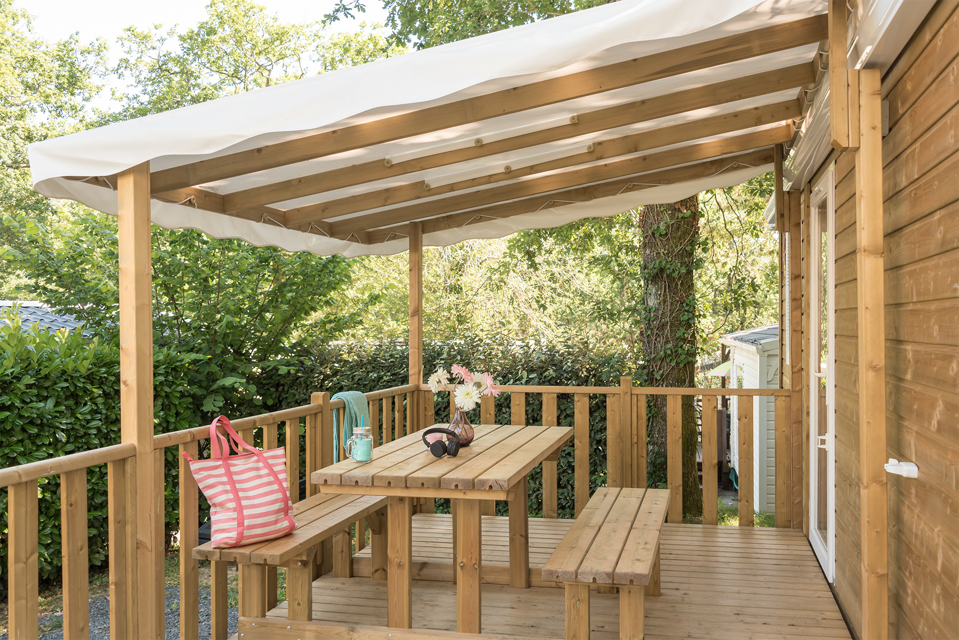 Terrasse en bois camping Pays Basque bord de mer