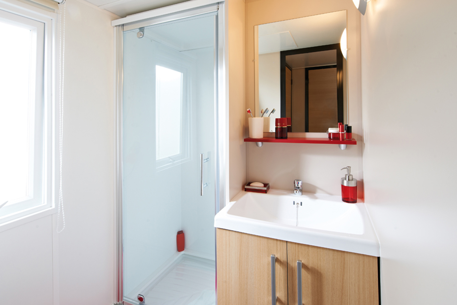 Salle de bain mobil-home camping Le Ruisseau