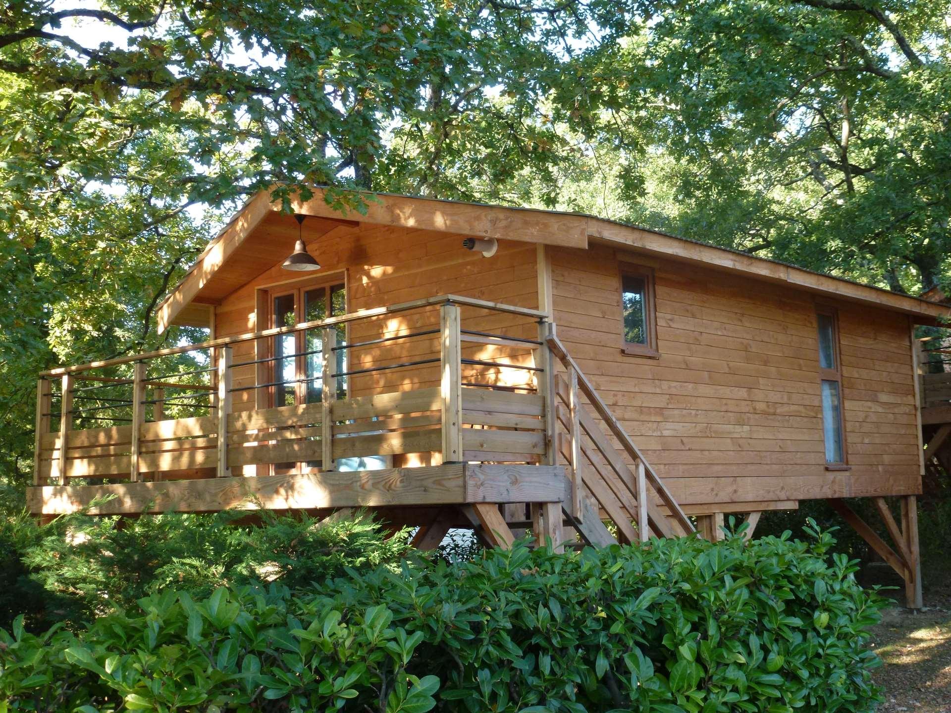 Logement en bois camping Le Ruisseau