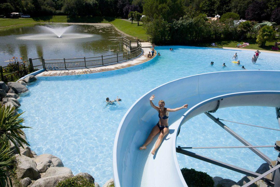 Camping avec piscine biarritz bidart le ruisseau 5 for Camping evian les bains avec piscine