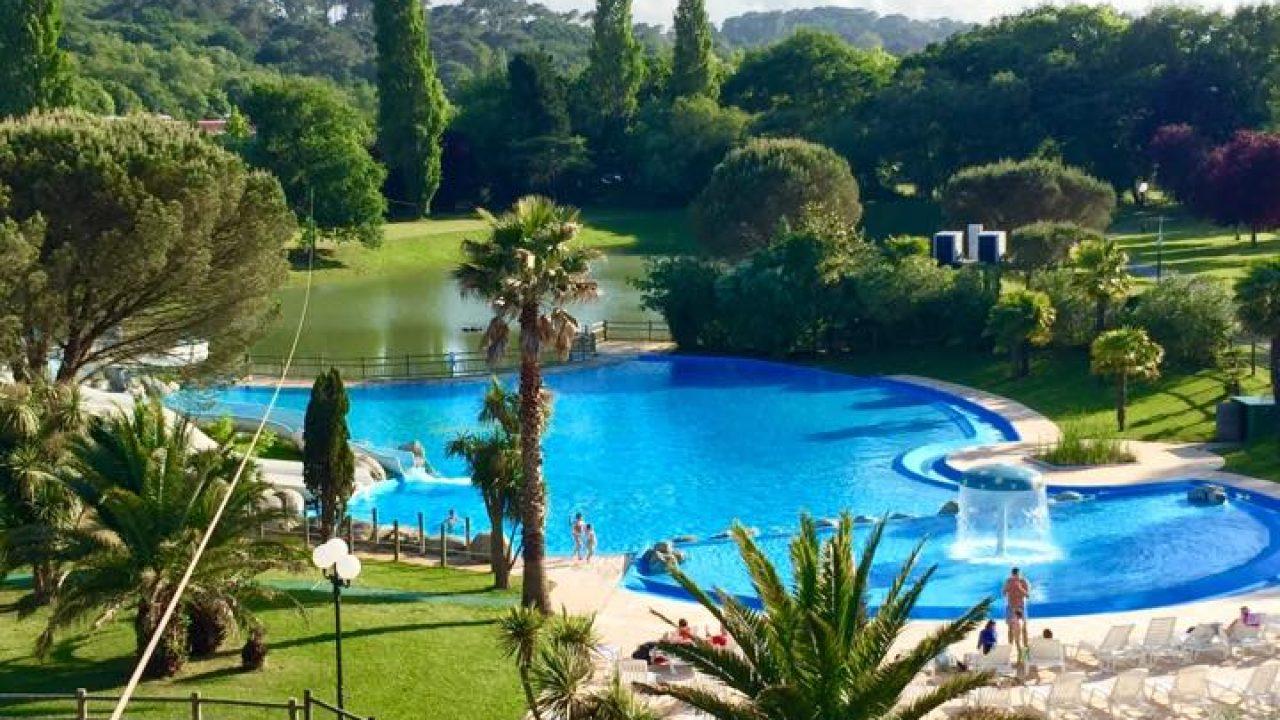 Grande piscine camping pays Basque bord de mer