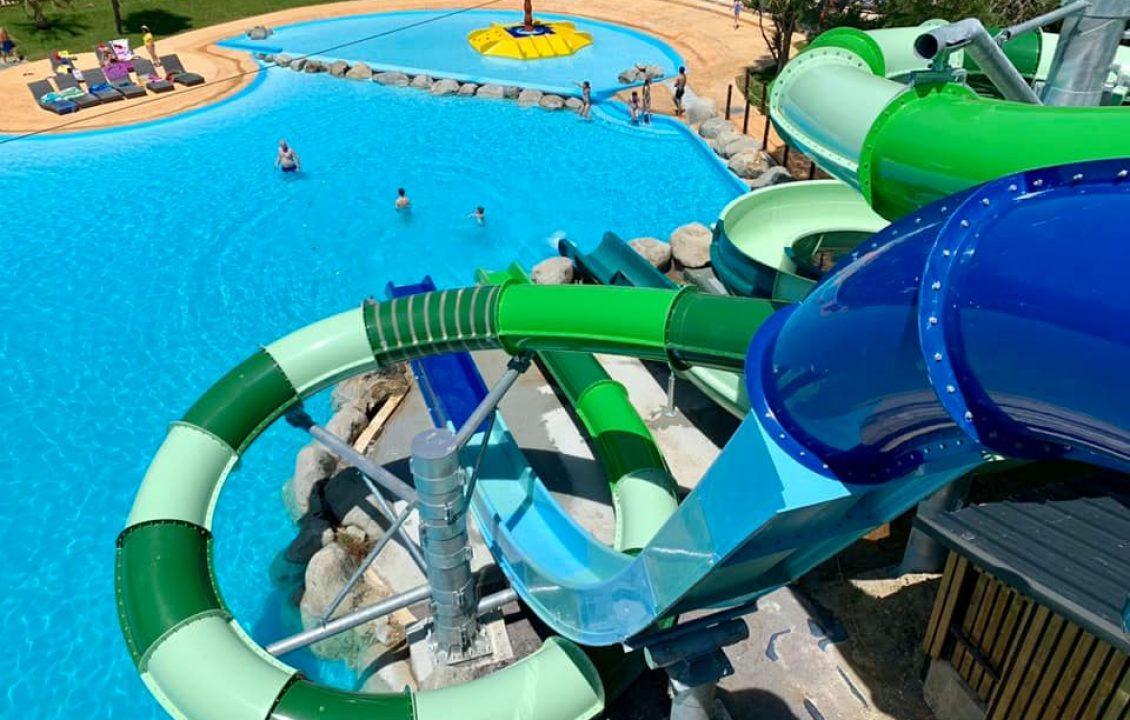 Piscine avec grands toboggans camping piscine Biarritz Le Ruisseau