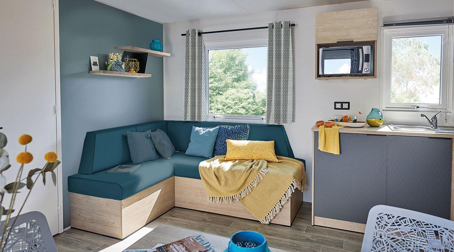 Salon moderne et lumineux vente de mobil home Bidart Camping Le Ruisseau